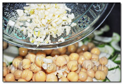 saute garlic chickpeas